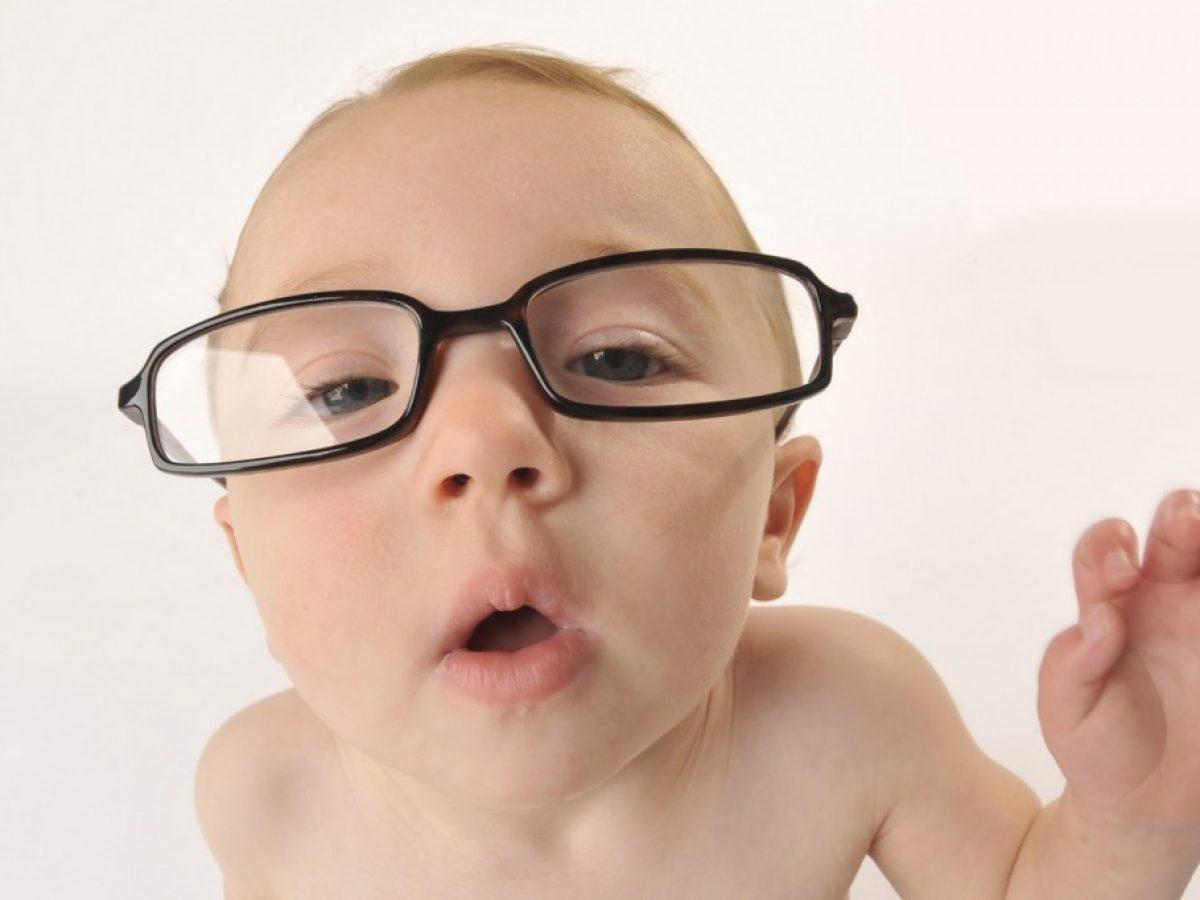 Quando Inizia A Gattonare Neonato quando iniziano a vedere i neonati? 👀 « mamme di oggi