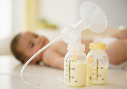 Cosa comporta l'allattamento esclusivo con il tiralatte
